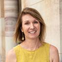 Dr Lisa Akison