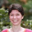 Dr Miriam Henze