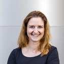 Dr Juliane Wolf