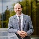 Dr Tony Heynen