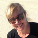 Dr Leonie Seabrook