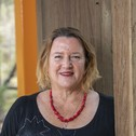 Dr Caroline Salom